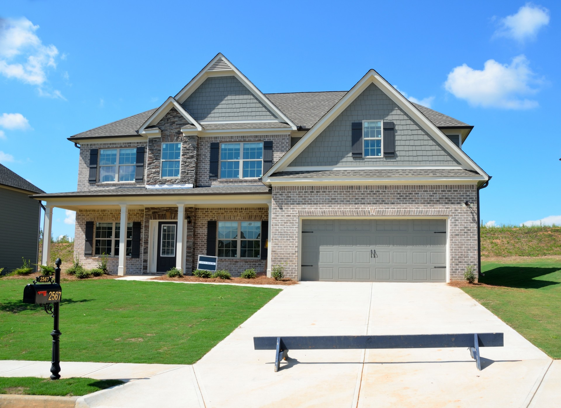The advantages and disadvantages of new property setschedule for Build your new home